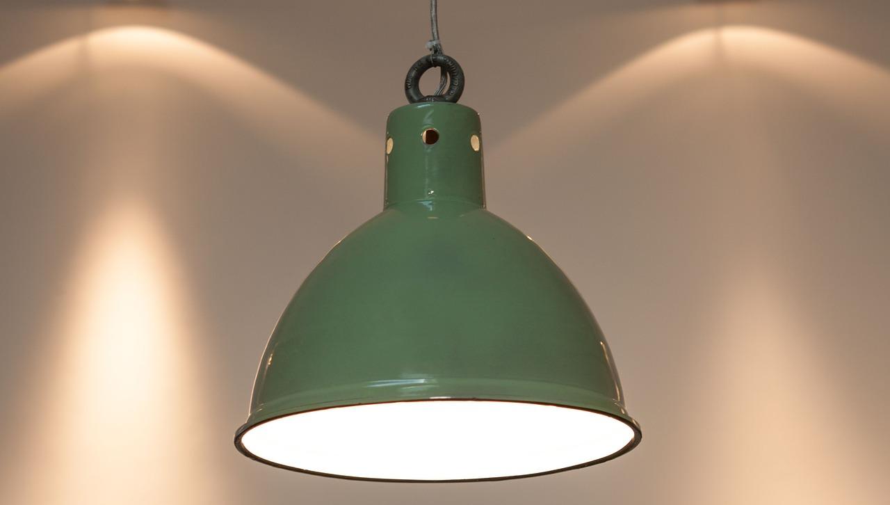 originalna lampa industrialna